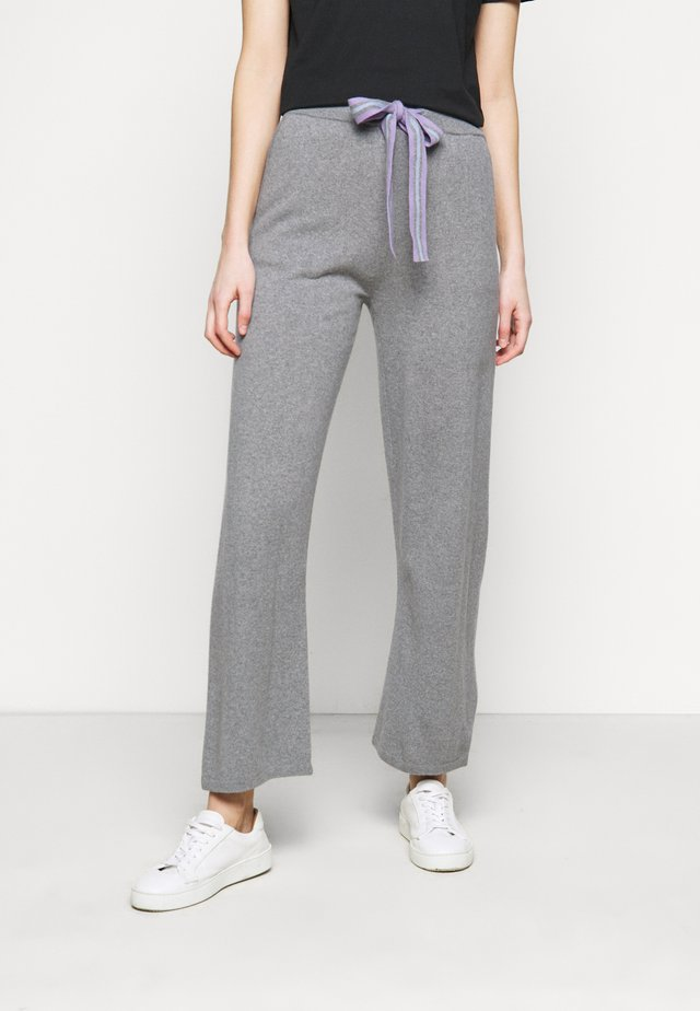 RING MASTER TRACK PANTS - Trainingsbroek - grey/lilac/blue