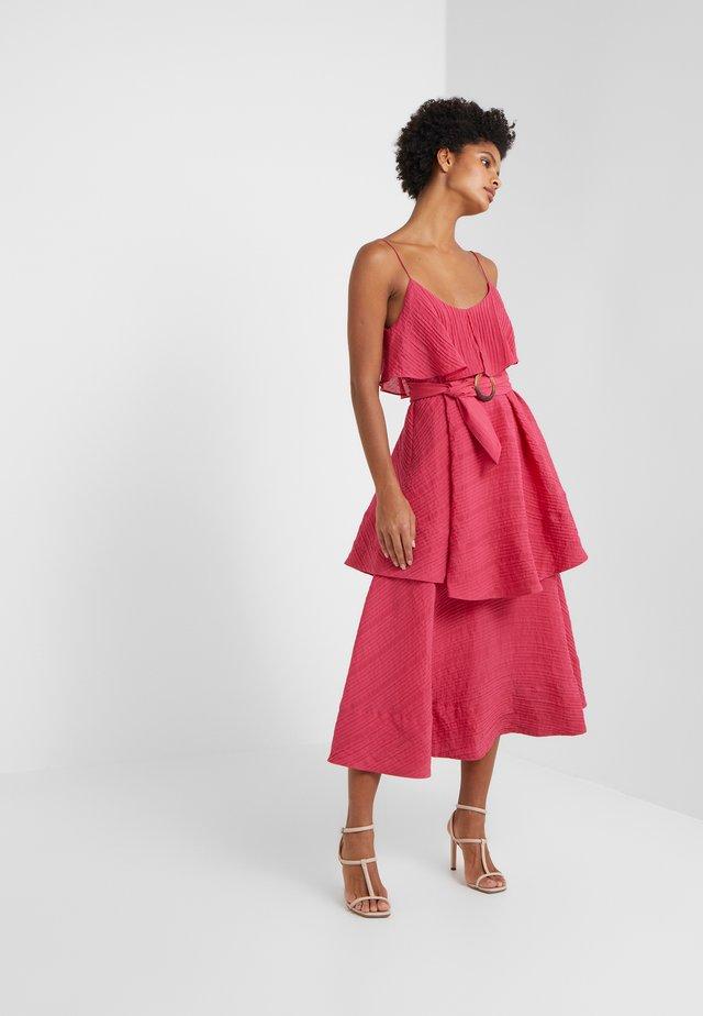 HANNYAH DRESS - Długa sukienka - bright frambroise