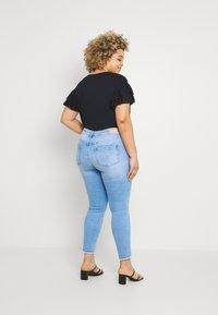 ONLY Carmakoma - CARWILLY LIFE  - Jeans Skinny Fit - light blue denim - 2
