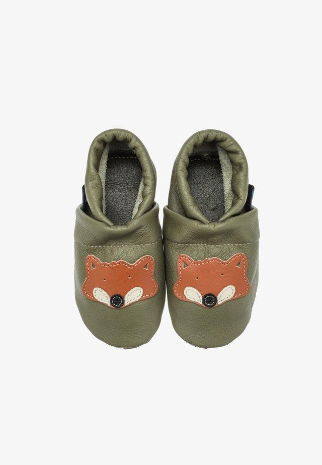 FUCHS - Slippers - grün / orange