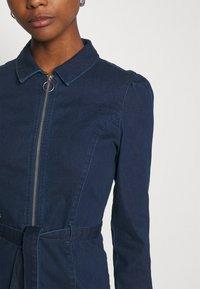 ONLY - ONLFLEUR LIFE PUFF DRESS - Denimové šaty - dark blue denim - 4