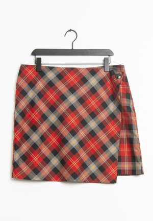 Wrap skirt - red