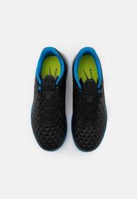 Nike Performance - JR TIEMPO LEGEND 8 ACADEMY TF UNISEX - Astro turf trainers - black/siren red/light photo blue - 3