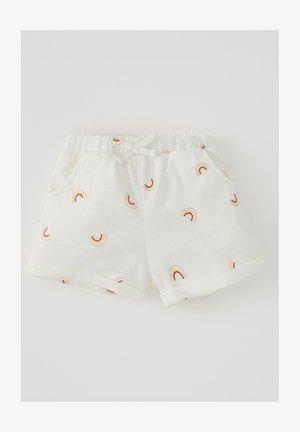 REGULAR FIT  - Shorts - beige