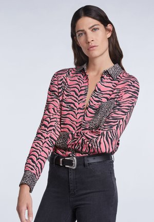 MIT ANIMALPRINT - Button-down blouse - pink grey