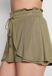 Cotton On Body - DOUBLE LAYER PETAL HEM SHORT - Sports shorts - oregano - 3
