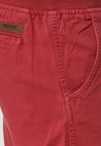 INDICODE JEANS - CARVER - Denim shorts - vermillion - 4