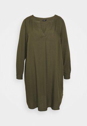 KNEE DRESS - Robe d'été - ivy green