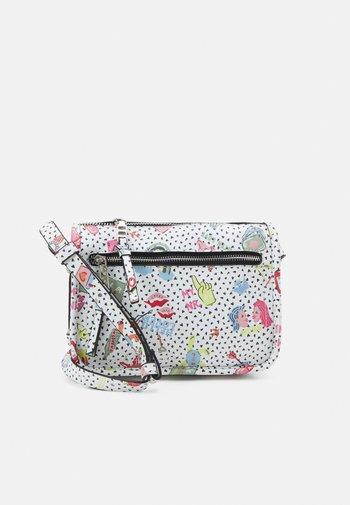 CROSSBODY BAG VALENTINE M - Across body bag - white
