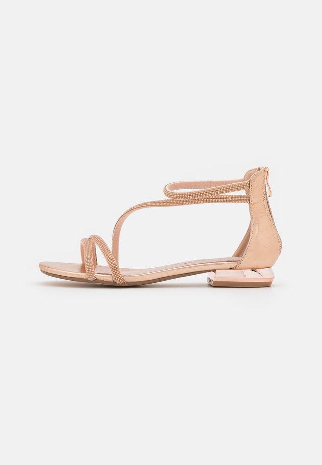 Sandali - rosa/oro