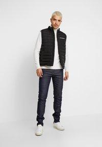 Calvin Klein Jeans - SLIM TAPER - Jeans Tapered Fit - blue slvg - 1