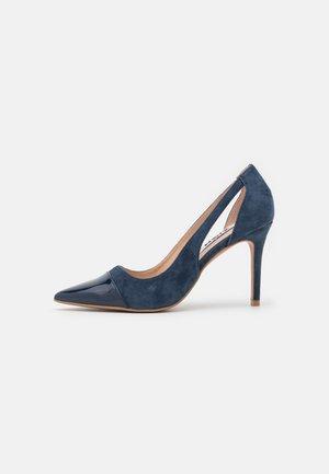 Klassiska pumps - blue