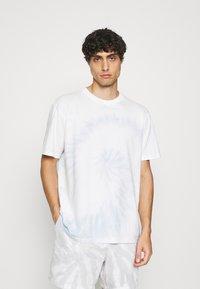 GAP - TIE DYE - Print T-shirt - light blue shadow - 0