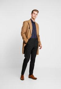 Selected Homme - SLHSLIMNEW MARK - Camisa elegante - mood indigo - 1