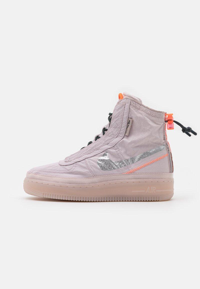conectar entrega Cambio  Nike Sportswear AIR FORCE 1 - Zapatillas altas - platinum violet/metallic  silver/hyper crimson/seaweed/morado - Zalando.es