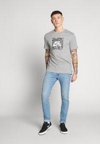 Lee - LUKE - Slim fit jeans - hawaii light - 1
