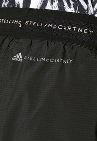 adidas by Stella McCartney - TRUEPACE - Sportovní kraťasy - black - 5