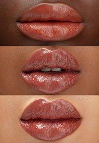 Maréna Beauté - ROUGE TAROU NUDE - Lipstick - toffee - 1