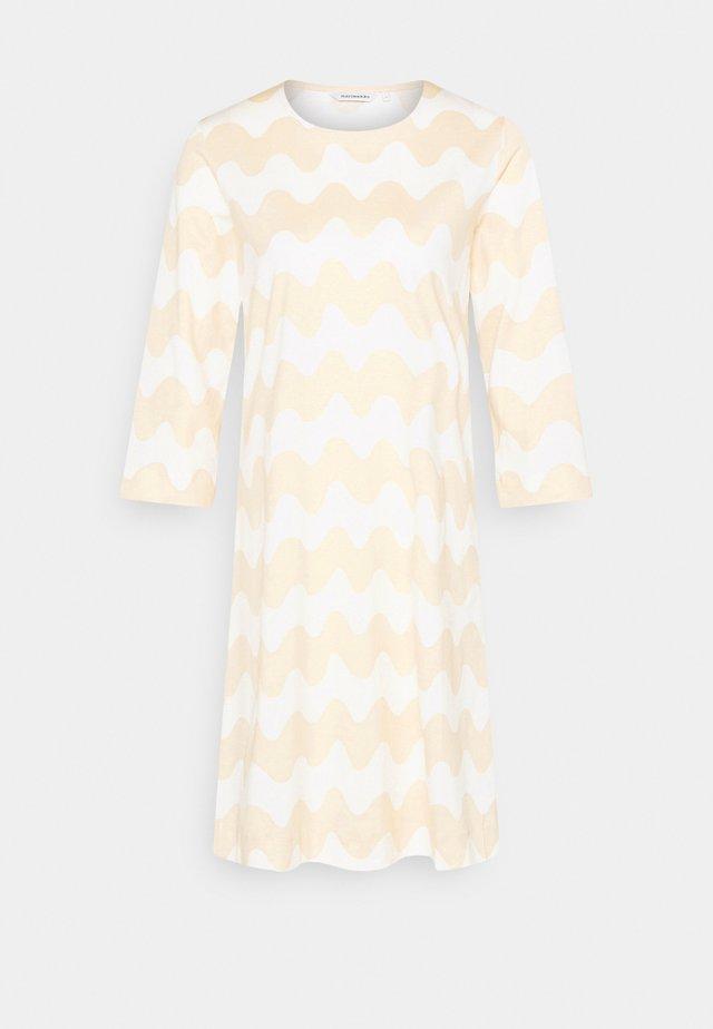 CLASSICS RIIPPUMATON PIKKUINEN LOKKI DRESS - Vestido ligero - white/beige
