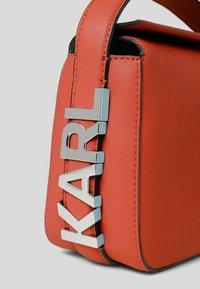 KARL LAGERFELD - Handbag - tangerine - 3