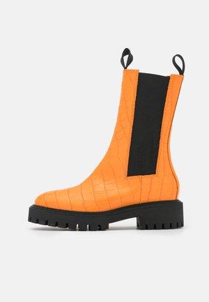 ANGIE CHELSEA CROCO  - Platform boots - orange
