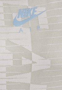 Nike Performance - AIR TANK - Sportshirt - light army/stone/black - 5