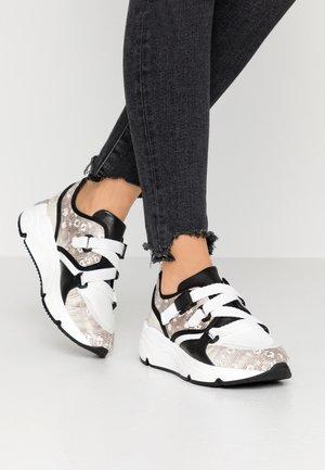 AMELIE - Sneakersy niskie - natural