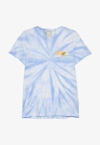 Scotch & Soda - TIE DYE AND ARTWORKS - Print T-shirt - sky blue - 2