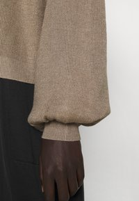 Bruuns Bazaar - ANEMONE MIRE CARDIGAN - Cardigan - roasted grey - 7