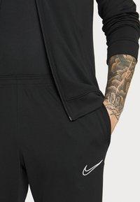 Nike Performance - ACADEMY SUIT - Träningsset - black/saturn gold/white - 6