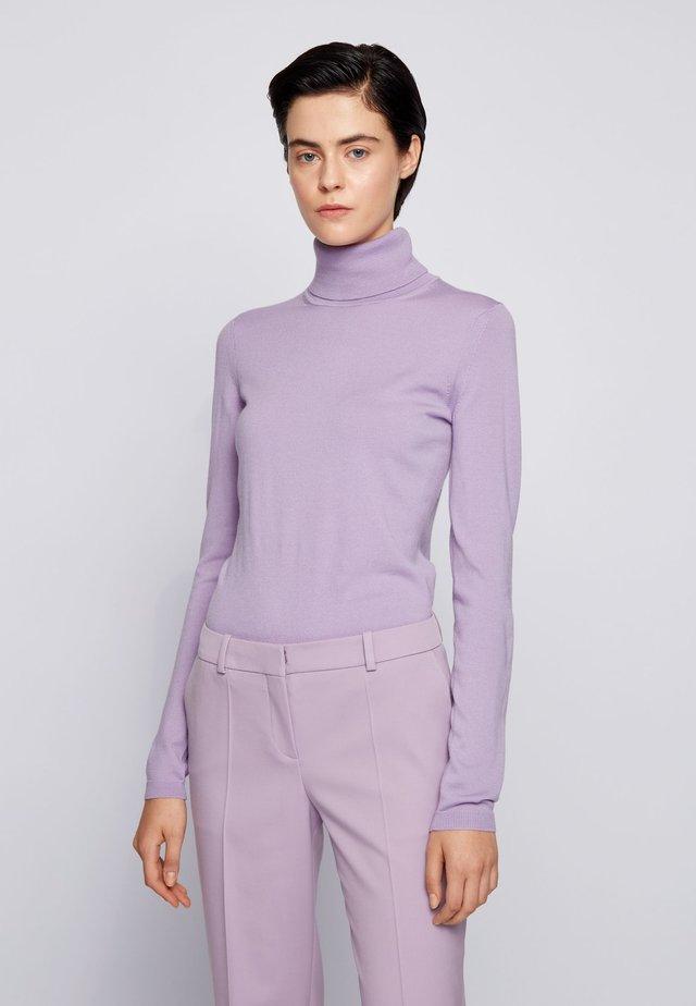 FAMAURIE - Strickpullover - light purple