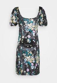Glamorous Tall - LADIES DRESS FLORAL - Korte jurk - black - 1