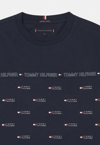 Tommy Hilfiger - TAPE  - T-shirt z nadrukiem - twilight navy - 2