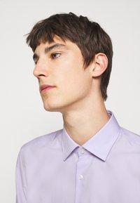 HUGO - KOEY - Formální košile - light-pastel purple - 3