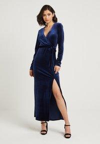 NA-KD - ZALANDO X NA-KD - Společenské šaty - midnight blue - 0