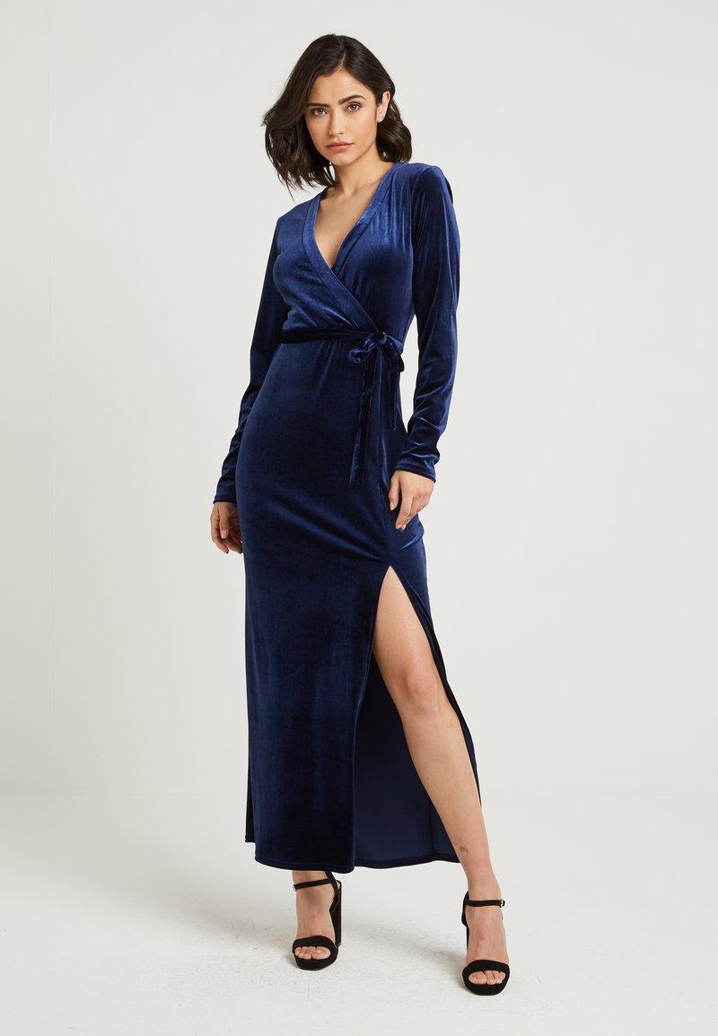 NA-KD - ZALANDO X NA-KD - Společenské šaty - midnight blue