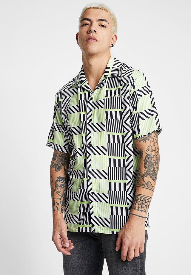 REVERE COLLAR IN GEOMETRIC LINE  - Skjorta - black/white/lime