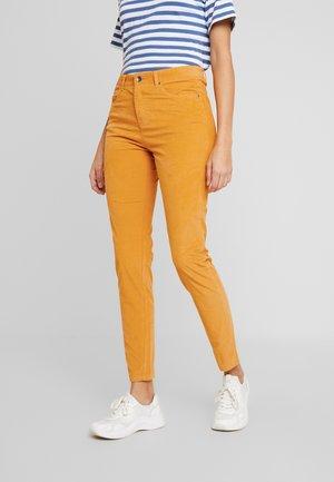 SKINNY TROUSER - Pantaloni - mustard yellow