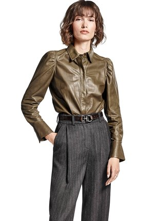 LEDERBLUSE LANGARM - Button-down blouse - khaki