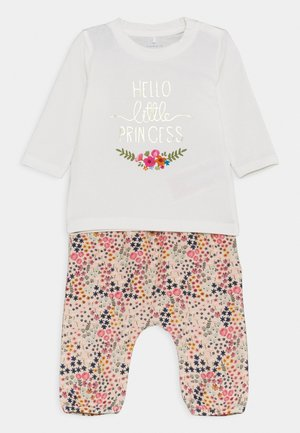 NBFBIANCA SET - Leggings - Trousers - snow white