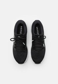 Under Armour - CHARGED VANTAGE - Neutral running shoes - black - 3