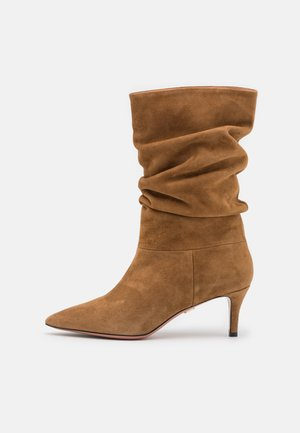 SARA - Classic ankle boots - tabacco