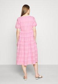 YAS - YASEVA MIDI DRESS - Day dress - pastel lavender - 2