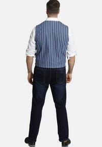 Charles Colby - Waistcoat - blau - 2
