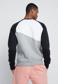 Nike Sportswear - CREW - Sweatshirts - grey heather/white/black - 2