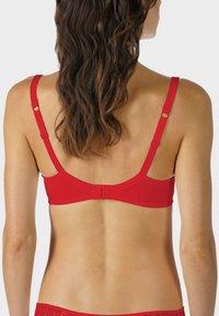 mey - PACER - Underwired bra - red - 2