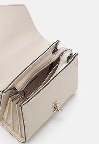 Seidenfelt - KISA - Across body bag - beige - 2