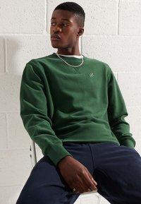 Superdry - Sweatshirt - dark green - 2