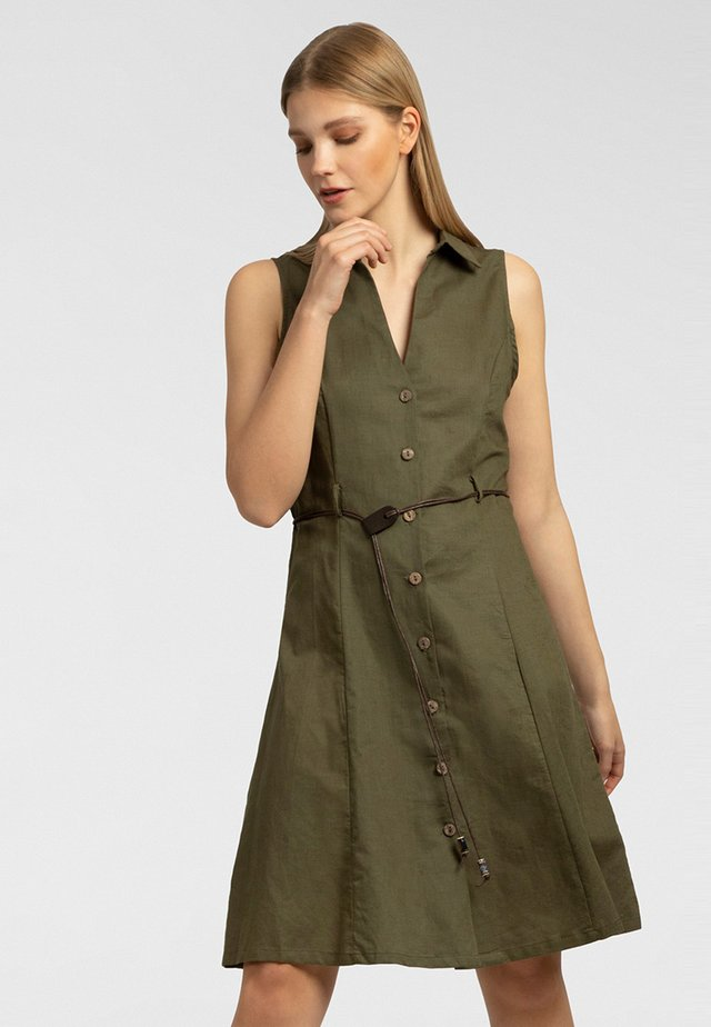 Robe chemise - oliv
