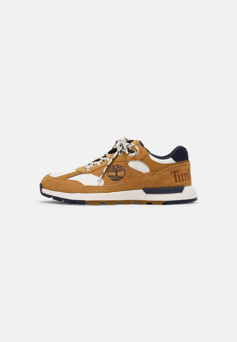 Timberland - FIELD TREKKER  - Sneakers basse - wheat/navy